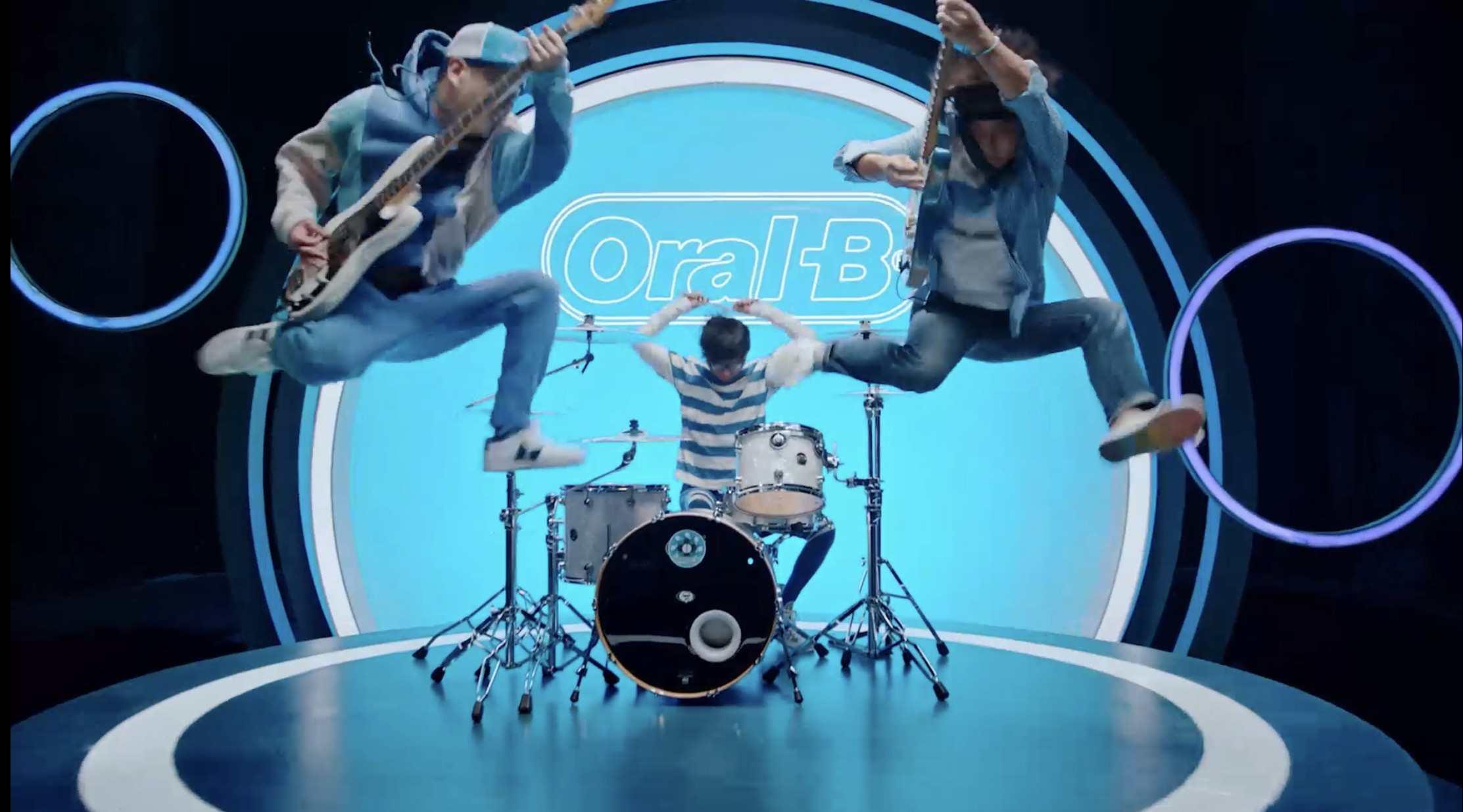 ORAL-B X 反光镜乐队 Dir