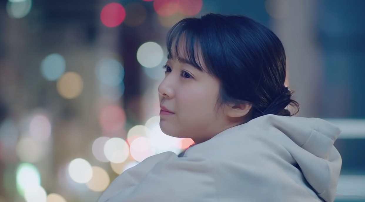 听完想恋爱的 MV《ハッピーエンド》